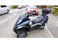 vespa Piaggio mp3 250 2010 scooter trike like fuoco 500 yourban 300 metropolis 400