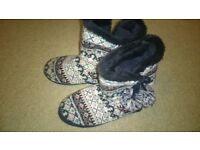 worn ladies shoes size 7 - slipperboots