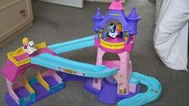 Clip-clop horse castle