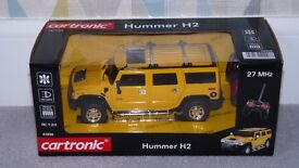 Hummer H2 Remote Control Car 1:24 Scale New In Box C/W New Batteries