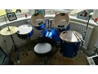 Ashton full size drum kit
