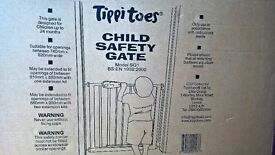 Tippitoes child safety gate - brand new in box
