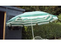 Garden umbrella, green and white stripe, with tilt function