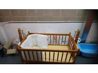 WOODEN ROCKING CRIB WITH BUMPER