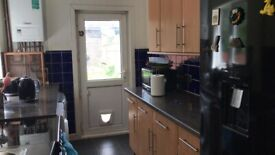 Double Bedroom to Rent in a Shared House in Hillside, Slough. For Female Only