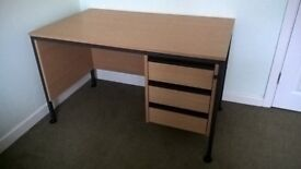 Office/student desk in excellent condition