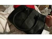 Black handbag Perfect condition