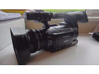 Panasonic AG-HPX250 Camcorder- low hours with three 64GB P2 cards and many extras