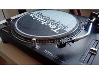 2x Technics 1210 MK2 (Recently fully serviced)