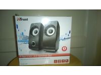 Remo 2.0 PC/Laptop Speakers set BOXED - usb powered, black, on/off & volume control , like new