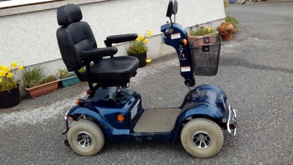 Bargin: mobility scooter mercury m48, with battery charger and.