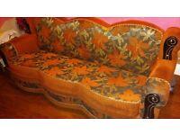 3 seater sofa un very good condition