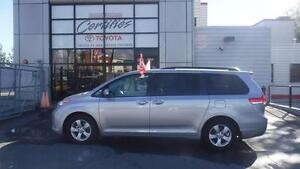 2014 Toyota Sienna LE 8 PASSAGERS SEULEMENT 49000KM 8 PASSAGERS