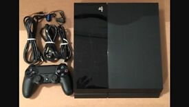Selling ps4 second hand but perfetto condotion