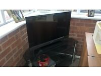 """SONY 32"""" flat screen tv with freeview"""