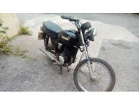 For sale 1988 suzuki gp100 for spares repairs.