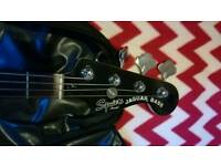 Squier Jaguar short scale bass with amp