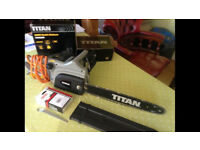 Titan 2000w electric chainsaw with new spare chain and oil