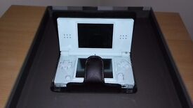 Nintendo DS lite including case and games