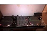 Pair of Technics 1210 mk2 decks and Pioneer DJM600 mixer