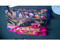 6 x ladies scarves / shawls .