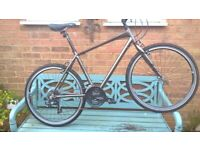 *** RALEIGH 2021 STRADA HARDLY USED *** BARGAIN £190 *** BICYCLES *** AS NEW CONDITION *** £400 ***