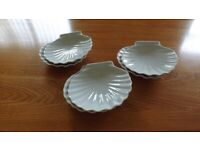 6 White Ceramic Shell Shaped Hors D'oeuvres Dishes