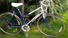 ladsies raleigh topaz vintage racing bike,new tyres,22 in frame,runs beautifully