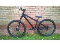 Cannondale Dirtjumper 4 bike