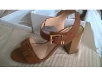 Dorothy Perkins Sandals Size 6 - NEW, still in box - perfect for summer - Tan