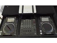 PIONEER CDJ 2000 NXS 2 (PAIR) IMMACULATE
