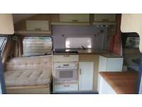 Cooker and sink unit