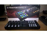 Native Instruments Traktor Kontrol X1 MK2 + Kontrol Stand