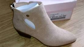Ladies chic open sided sand fashion boot. Size 7 NEW WITH BOX