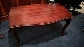 REPRODUCTION MAHOGANY EFFECT OCCASIONAL TABLE