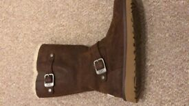 Worn once brand new Genuine ugg boots size 2
