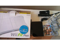 Nintendo Wii Black or White Console, Games Controller and Cables