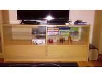 TV bench with push-open drawers and shelfs
