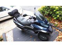 reliable vespa Piaggio mp3 250 2010 scooter trike like fuoco 500 yourban 300 metropolis 400