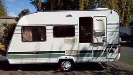 Lunar chateau 400 4 berth touring caravan 2004