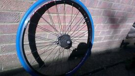 Shimano rear wheel with proper trainer tyre