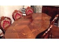 BEAUTIFUL ITALIAN STYLE DINING TABLE WITH 5 CHAIRS