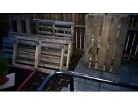 9 Pallets (mixed sizes)