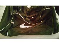 Nike large black/white sports bag as new