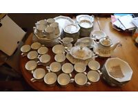 LOVELY ETERNAL BEAU DINNER/TEA SET