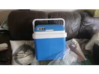 240/12 volt Thermoelectric coolerbox