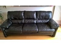 Black leather 3 seater sofa. FREE. No rips or damage. Clean but small signs of wear.