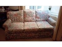 3 PIECE SUITE Sofa and two chairs Multicolour covers