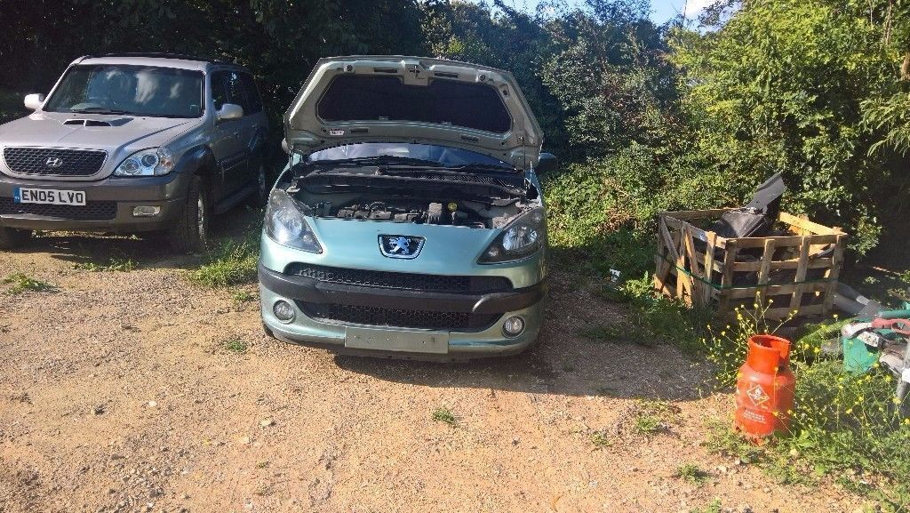 breaking peugeot 1007 1.6 sporting all parts available