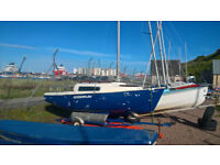 Voyager 14' Sailing Yacht, 2 Berth Trailer Sailer, Great Condition Boat with Refurbished Trailer.